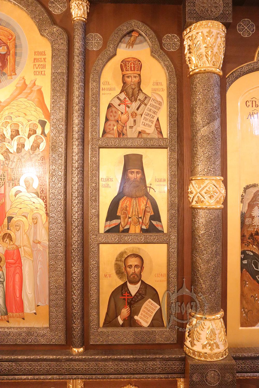 Установлен иконостас в храме в честь Новомучеников и Исповедников Российских в г. Норильске